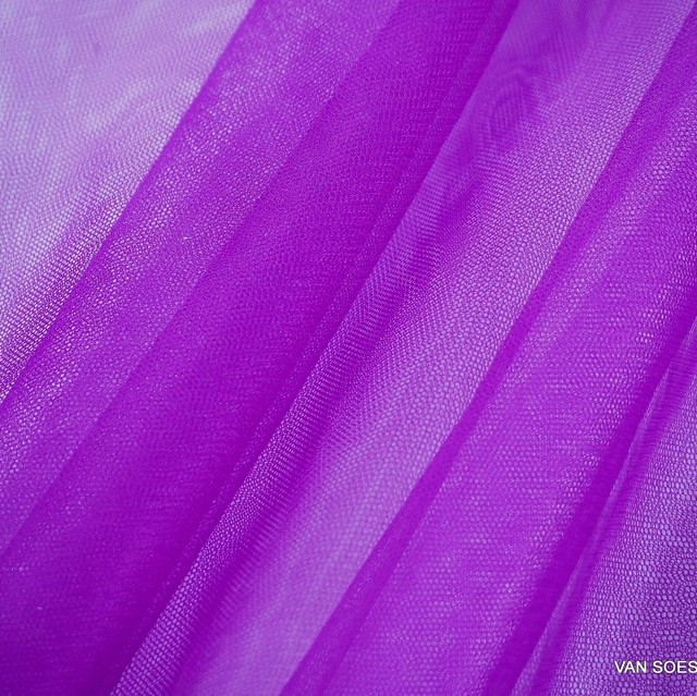 Soft stretch tulle in magenta | View: Soft stretch tulle in magenta