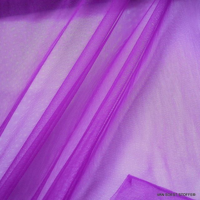 Soft stretch tulle in magenta