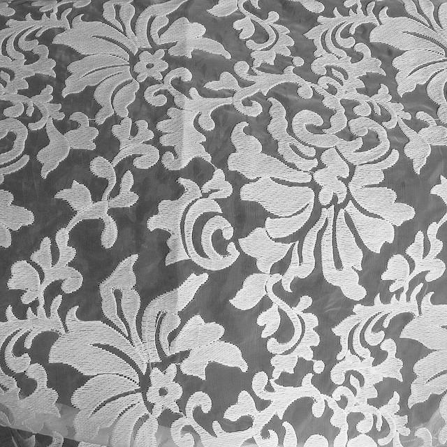 Spitzen Stoffe: Blumenfantasie auf Organza in Weiß-Weiß