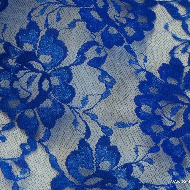 Steife Clara Spitze in Kobaltblau | Ansicht: Steife Clara Spitze in Kobaltblau