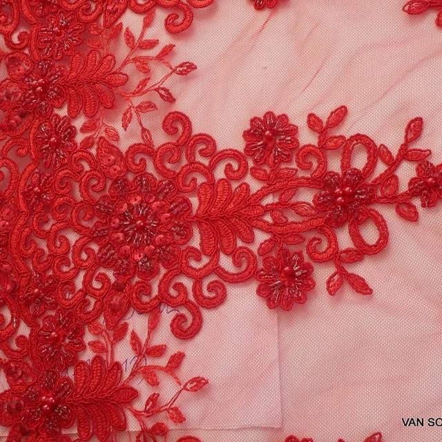 Strass + Perlen + Pailletten bestickter Blumen + Blätter Stickerei in Scharlach Rot | Ansicht: Strass + Perlen + Pailletten bestickter Blumen + Blätter Stickerei in Scharlach Rot