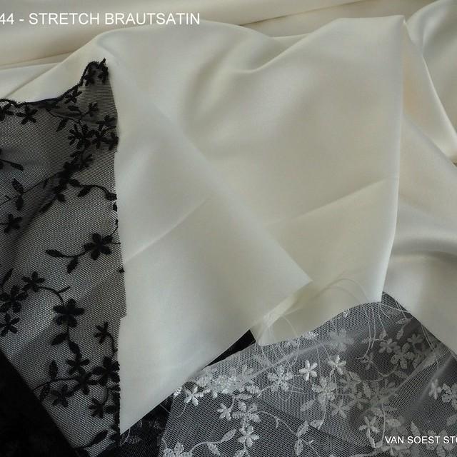 Stretch Braut Satin in Wollweiß | Ansicht: Stretch Braut Satin in Wollweiß