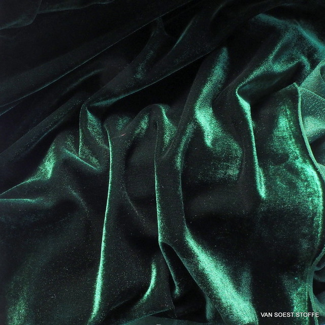 Stretch velvet in dark fir green | View: Stretch velvet in dark fir green