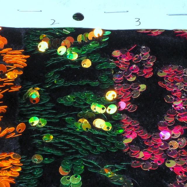 Stretch Samt mit quer stehenden mini Pailletten in tollem Orange | Ansicht: Stretch Samt mit quer stehenden mini Pailletten in tollem Orange