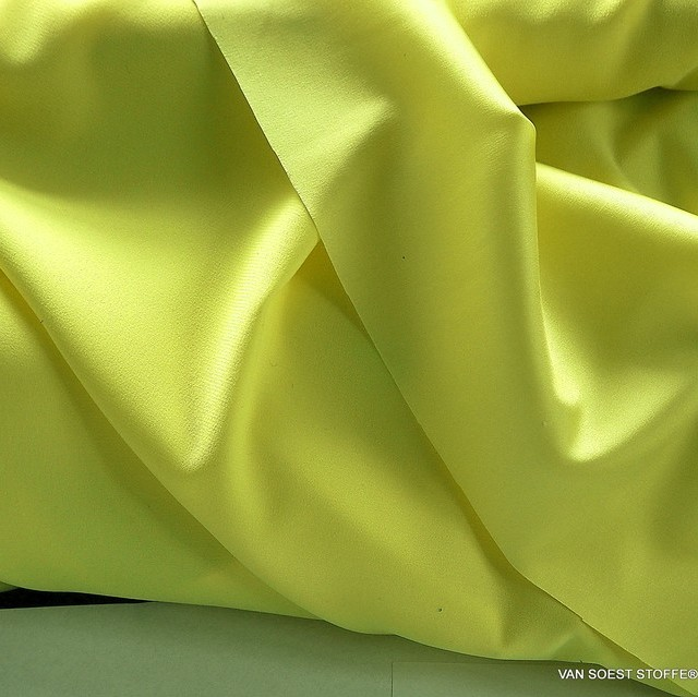 Stretch silk satin in great lemon yellow | View: Stretch silk satin in great lemon