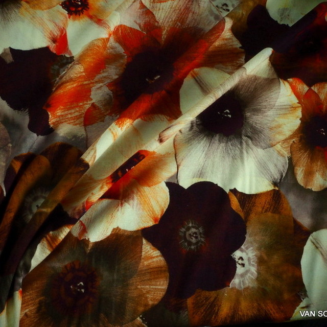 Stretch Viskose Krepp -Jersey mit tollem Blumendruck | Ansicht: Stretch Viskose Krepp -Jersey mit tollem Blumendruck