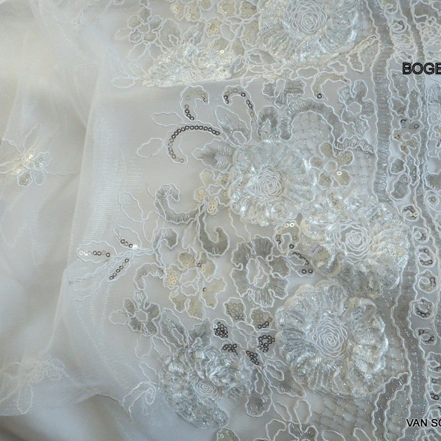 White coloured flower lace on white mesh | View: White coloured flower lace on white mesh