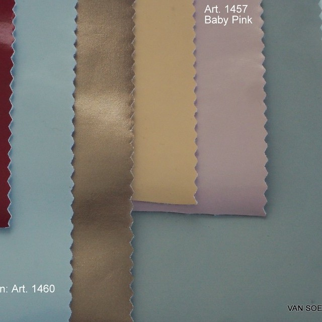 Wetlook soft Vinyl mit Abseite in vielen Farben | Ansicht: Stretch Wetlook soft Vinyl mit Abseite in vielen Farben