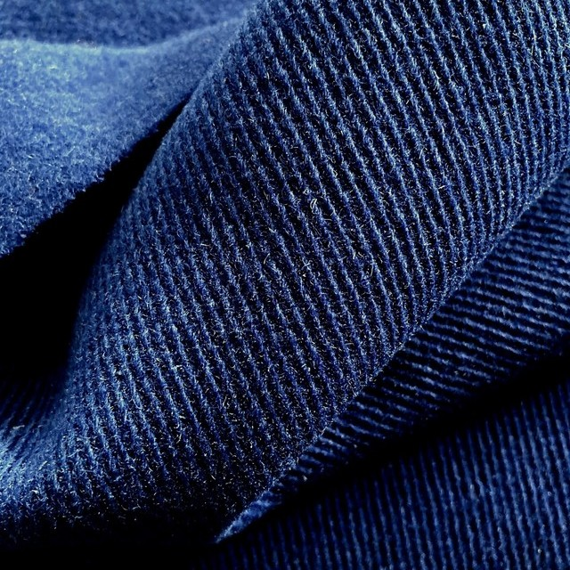 Wollfilz derber Steilköper Rückseite angerauht in Königsblau | Ansicht: Wollfilz derber Steilköper Rückseite angerauht in Königsblau