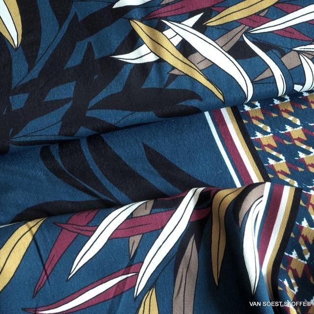 ausgefallener Blätterdruck auf Viskose mit einseitigem Pepita Bordüren Abschluss