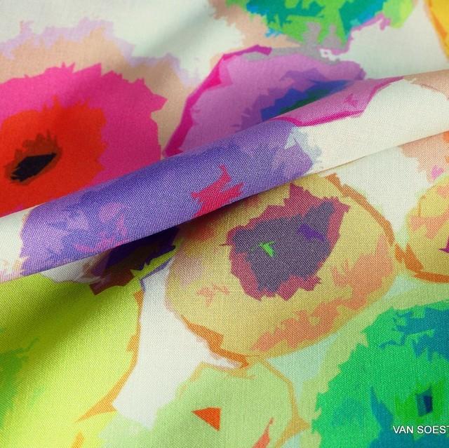 bunter Blumenprint auf Musseline Viskose Crepe | Ansicht: bunter Blumenprint auf Musseline Viskose Crepe
