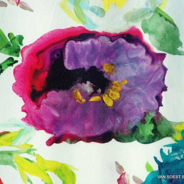 bunter Veronica Blumenprint auf Viskose Crepe