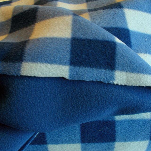 Doppelgewirkter Fliess Blau/Weiß