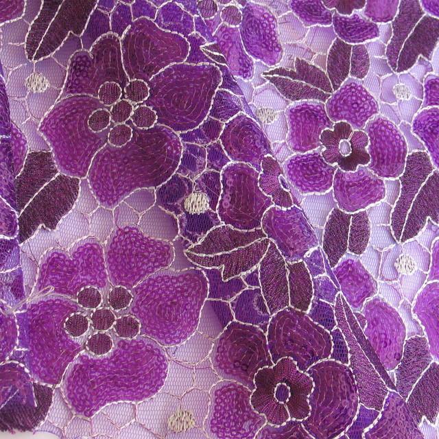 Farbige Pailletten Blüten Ton in Ton - LILA