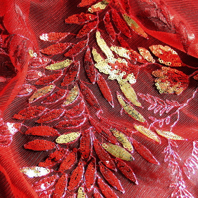 FLOWER PAILLETTEN COUTURE SPITZE ROT-GOLD