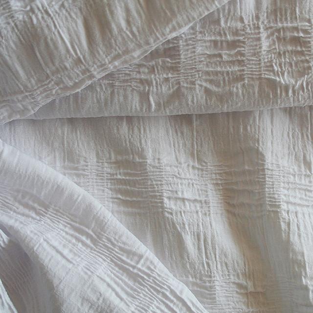 Gerafftes Polyester Baumwolle Stretch in weiß