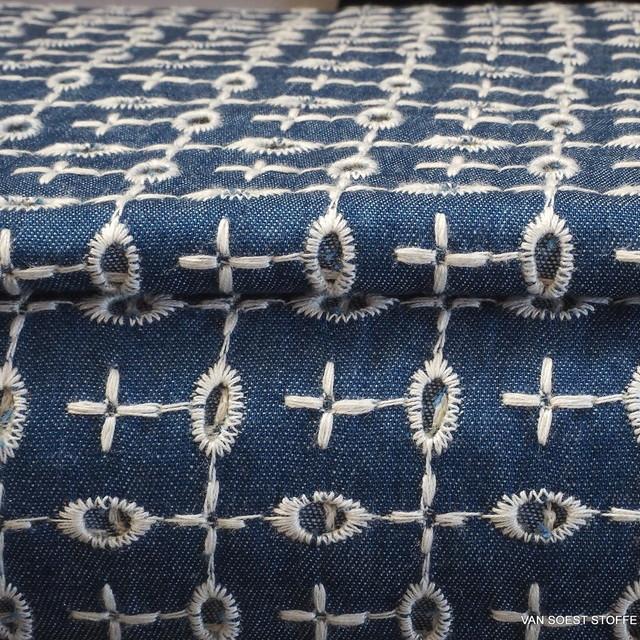 Loch Stickerei auf Jeans Stoff
