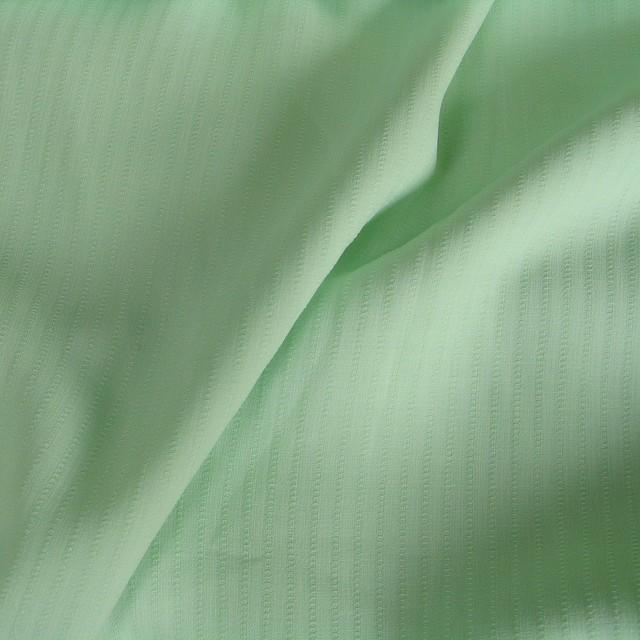 Mintgrüner, leicht durchsichtiger Sommerstoff