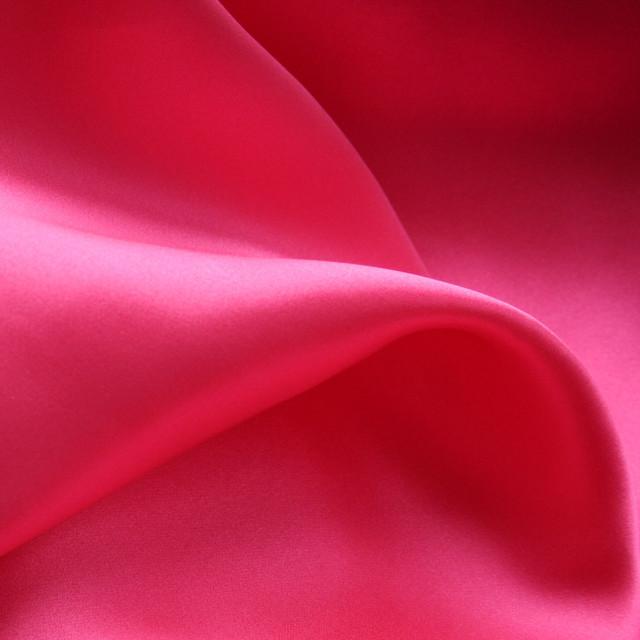 Reine Seide in wunderschönem pink