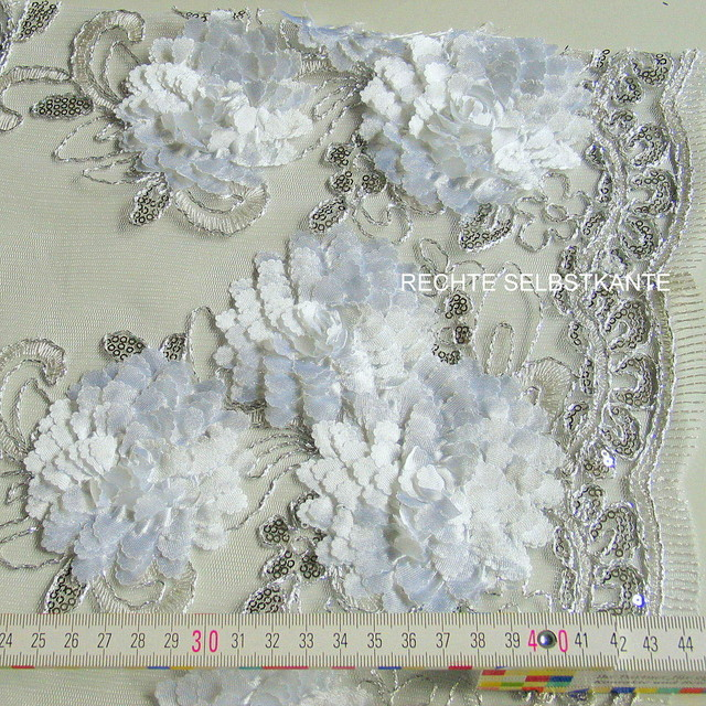 Silber Pailletten auf weiße Blüten Spitze
