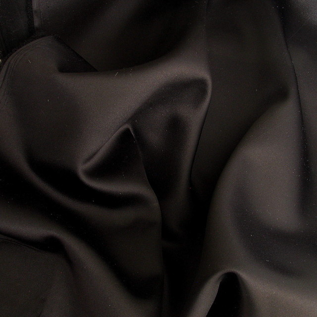 STRETCH  SATIN PLISSEE