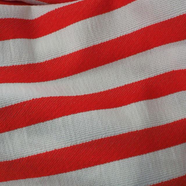 Stretch Quer Streifen Dobby Stoff in Rot - Weiß