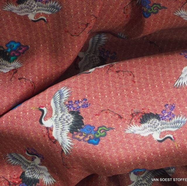 traditioneller Japanischer Kranich Print auf 100% Viskose - Burda Style | Ansicht: traditioneller Japanischer Kranich Print auf 100% Viskose - Burda Style