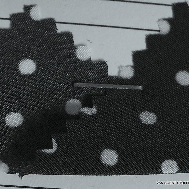 Tupfen in Schwarz Weiß auf Chiffon