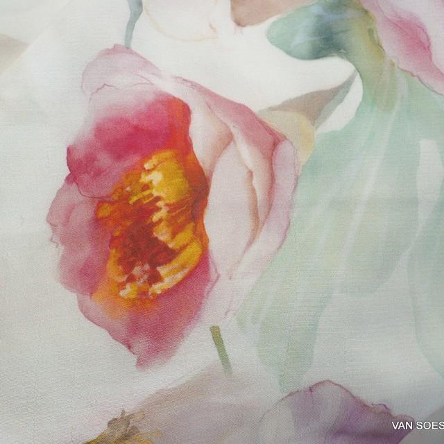 zarter bunter Pfingstrosen Blumenprint auf Viskose Crepe