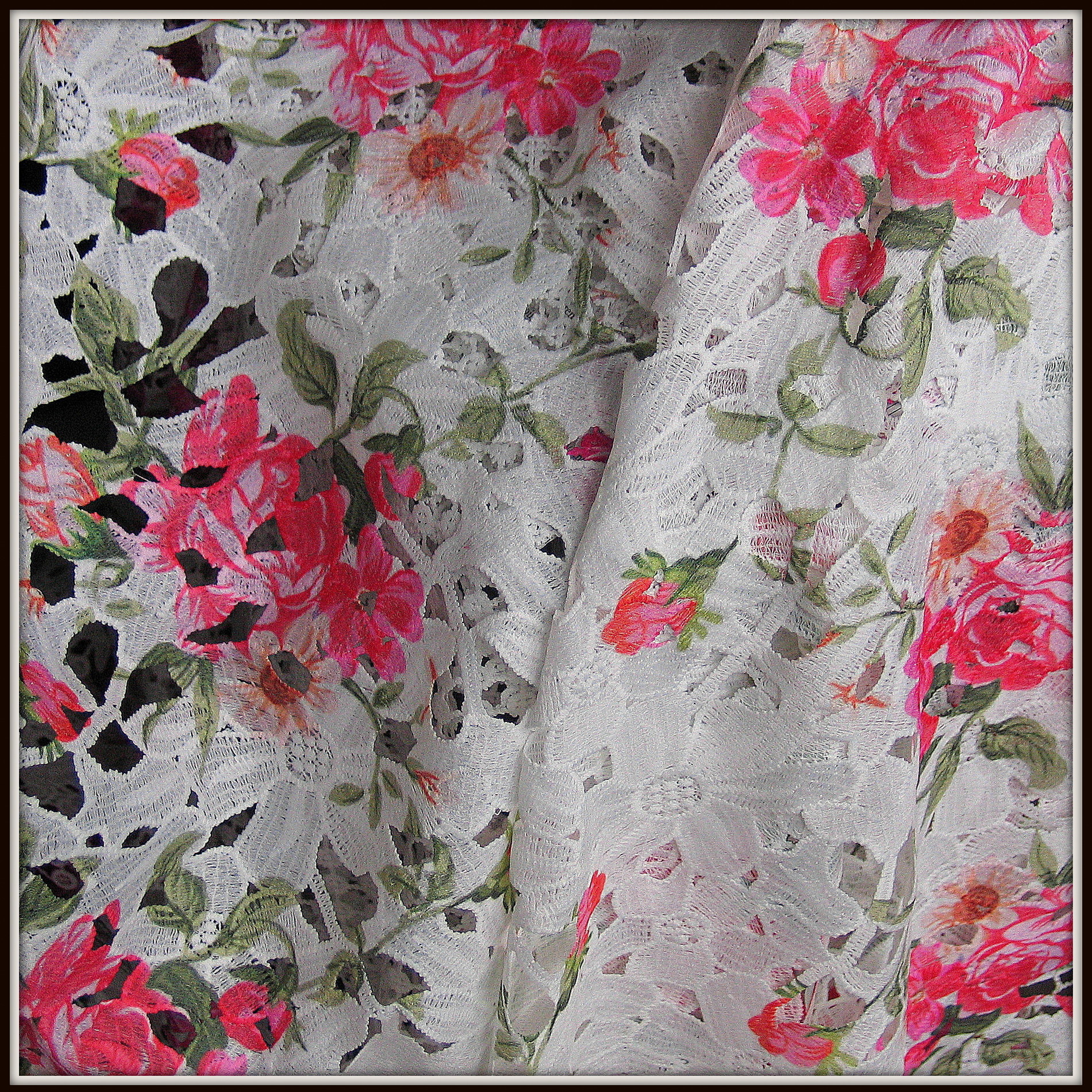 allover blumen spitze bedruckt mit rosen muster bestickte spitzen pailletten bestickte spitze. Black Bedroom Furniture Sets. Home Design Ideas